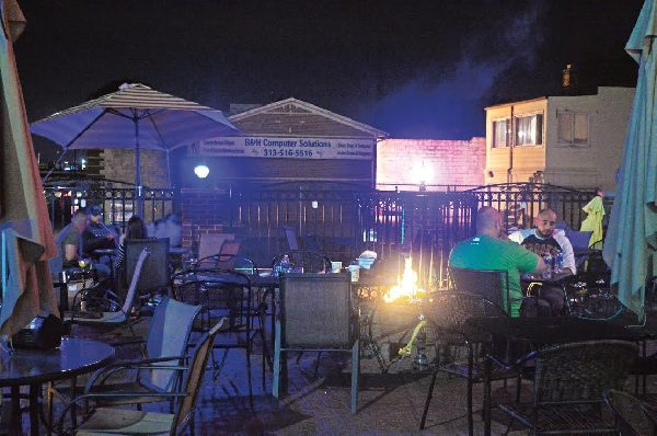 Dearborn to restrict outdoor smoking at hookah lounges
