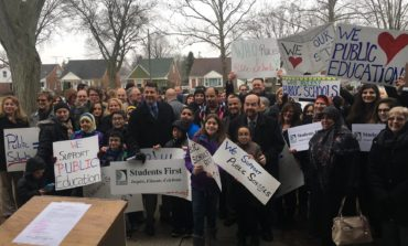 Community stands in solidarity with public education