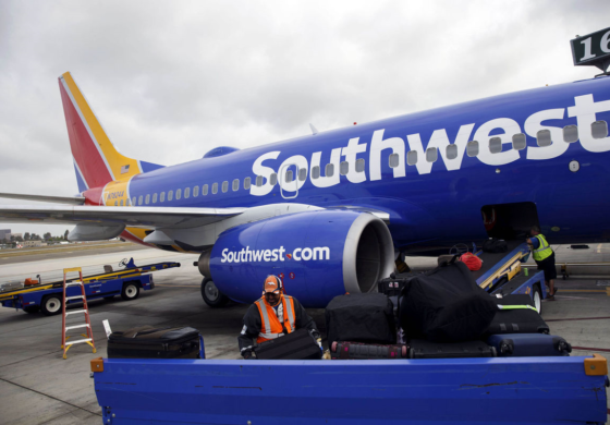 Iraqi refugee removed from plane sues Southwest Airlines