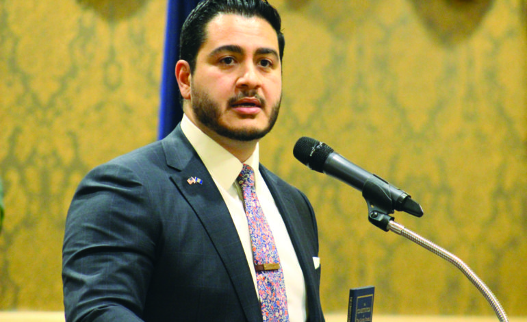 Democratic gubernatorial candidate Abdul El-Sayed urges Americans to protect Constitution at Dearborn fundraising dinner