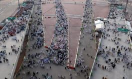 Pilgrims pray and give praise as haj winds down in Mecca