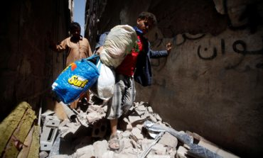 Saudi-led coalition strikes Sanaa's densely-populated district, civilian casualties reported