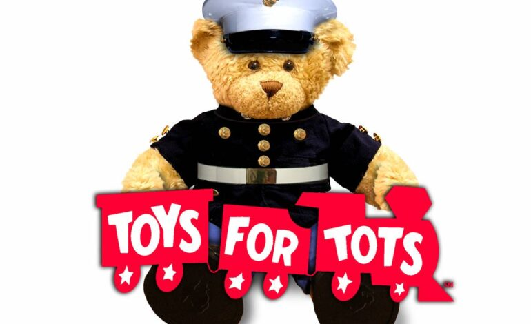 Dearborn Heights Councilman partners with Dearborn Police for annual Toys for Tots event