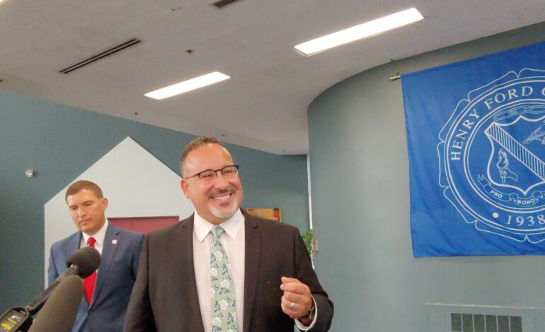 U.S. Secretary of Education visits Henry Ford College