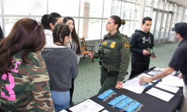 Federal Middle Eastern officers inspire youth to pursue law enforcement careers