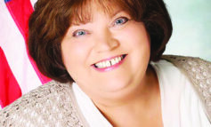 Lisa Hicks-Clayton sworn in as treasurer