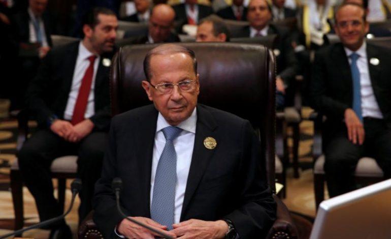 Lebanon's Aoun takes tumble as Arab summit starts
