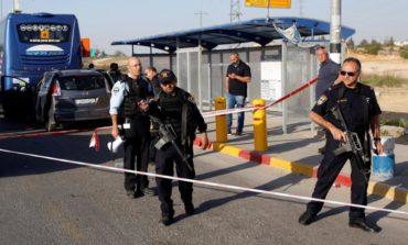 Israeli troops kill Palestinian who rammed West Bank bus stop