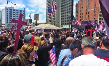 U.S. judge halts deportation of Iraqi immigrants
