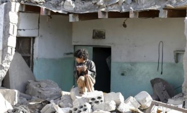 Saudi air strikes kill dozens at Yemen market