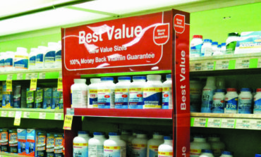 Wal-Mart, Walgreens, CVS turn up the heat on generic drugmaker deals