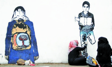 Street artist in Yemen remembers casualties of war