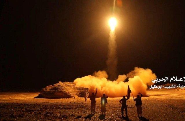 Barrage of missiles on Saudi Arabia ramps up Yemen war