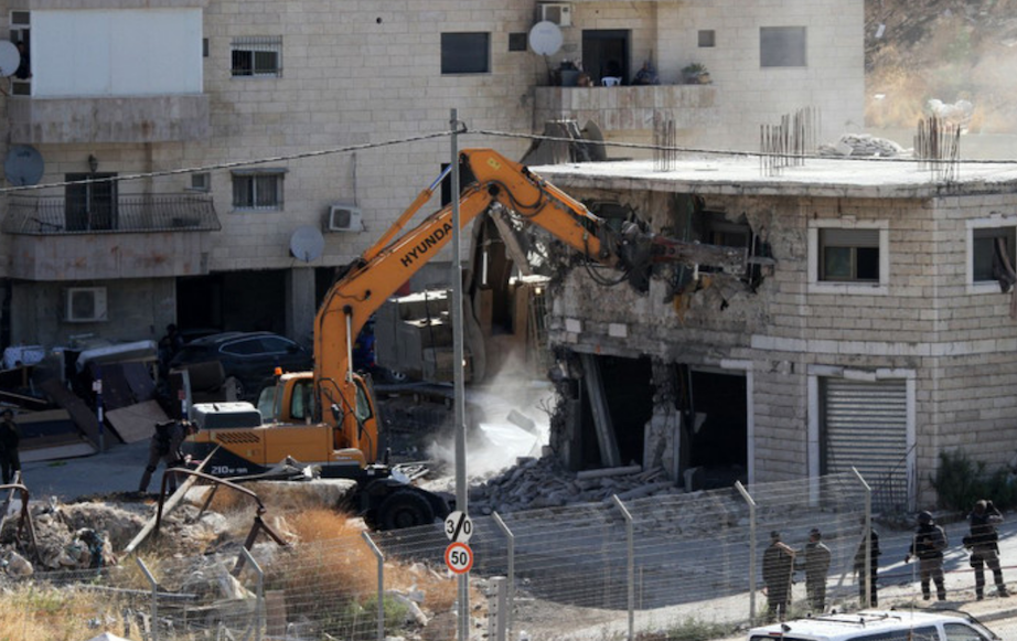 Home demolition in Wadi Hummus, occupied East Jerusalem (Ahmed Mezher - WAFA APA)