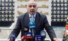 Iraqi PM quits after cleric's call, but  violence rages on