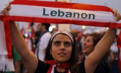 Singing all the way to the bank: Lebanese protesters fear for their savings