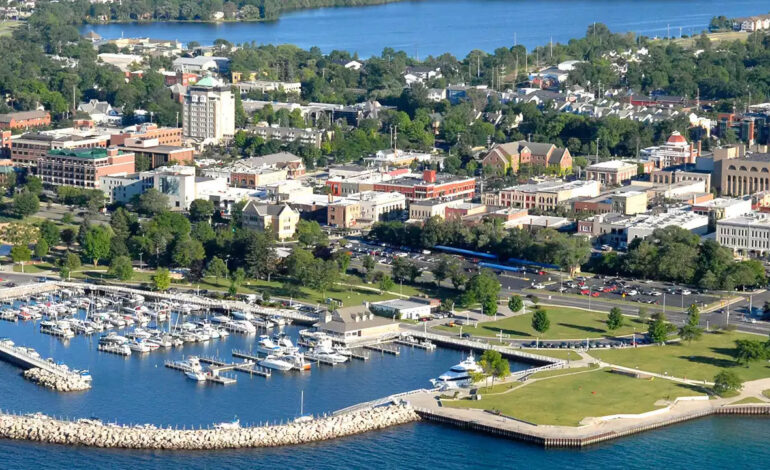Whitmer reopensretail, restaurants and offices in Upper Peninsula, Traverse City regions