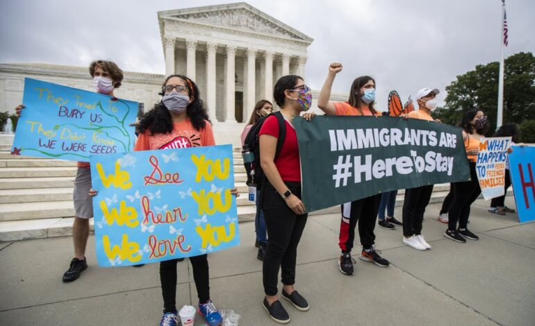 """U.S. government ordered to reinstate protections for """"Dreamers"""""""