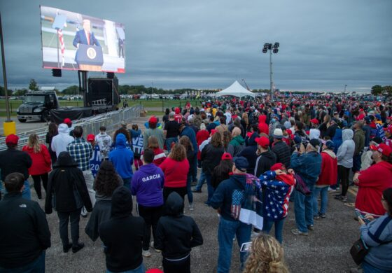 Trump visits Michigan, predicts victory, bashes Whitmer, says country has turned corner on COVID