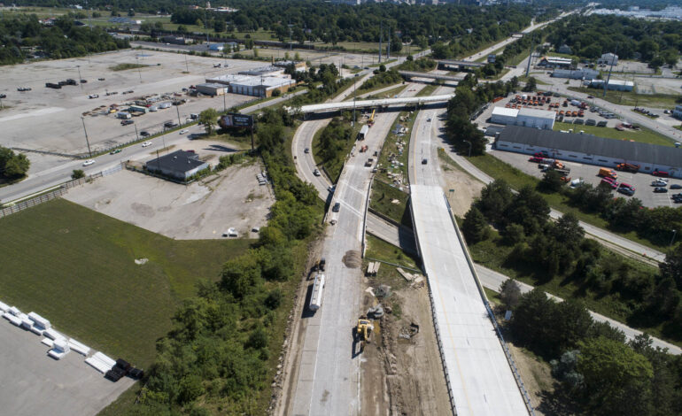 Sale closes for first $800 million in bonds to rebuild Michigan freeways