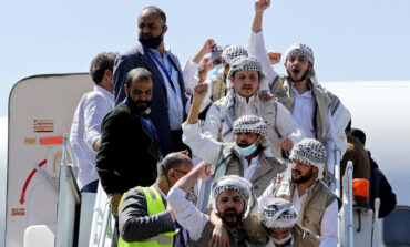 Yemen's warring parties start prisoner swap, raising peace prospects