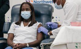 NY nurse becomes first American to receive COVID-19 vaccine