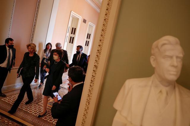 Moderate U.S. Republican senators urge Biden to compromise on COVID-19 plan