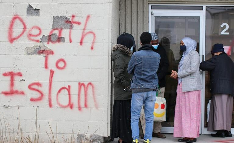 Report: Anti-Muslim incidents increased in U.S. during Israel's assault on Gaza, spiked in Canada this year